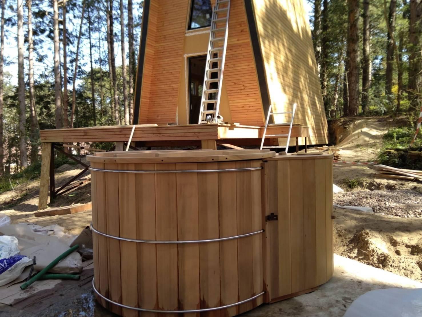 Hot tub red cedar wood